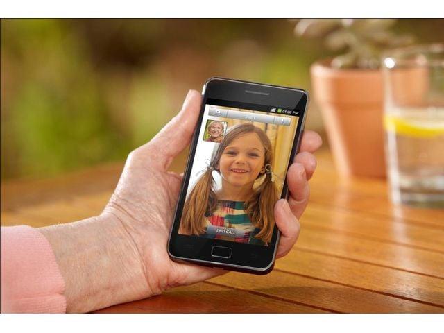 obsah balení Samsung Galaxy S II + miniaturní kapacitní stylus černý