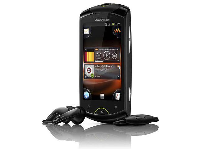 obsah balení Sony Ericsson Live with Walkman - černá + sluchátka a-Jays One Plus s aplikací na ovládání