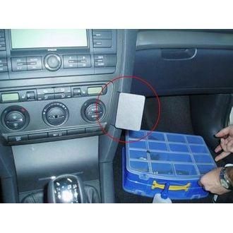 Brodit ProClip Škoda Octavia II Ambiente/Classic/Elegance/RS 05-13/Scout 07-13, na střed vpravo