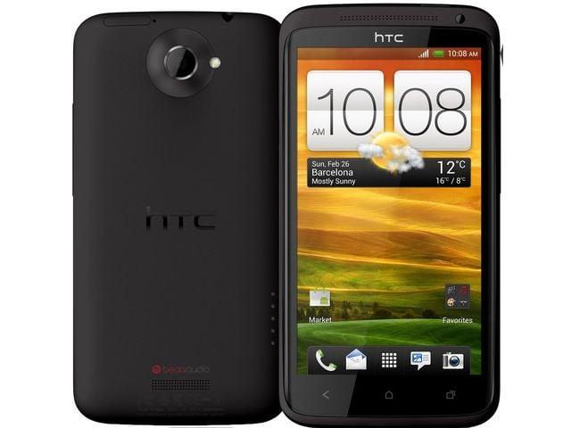 obsah balení HTC One X černá + držák do auta Brodit bez nabíjení