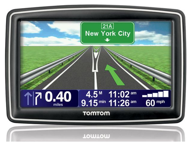 obsah balení TomTom XXL Europe Traffic + pro ženu TomTom White Pearl Europe 42
