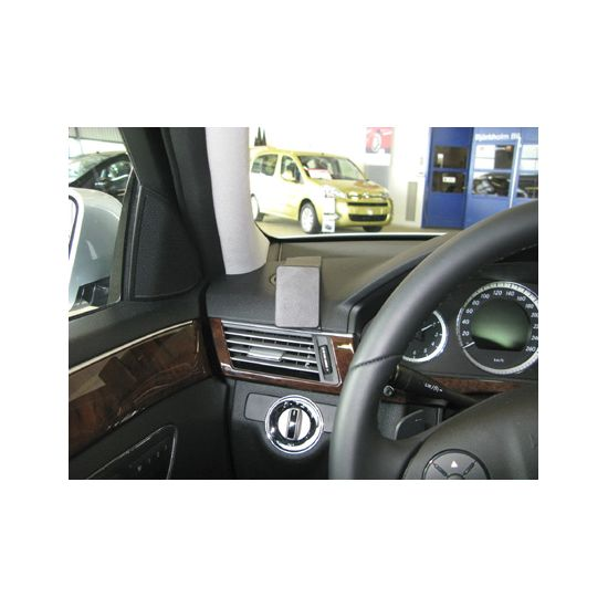Brodit ProClip  Mercedes Benz E-Class (200-430) Stationwagon 10-16/Sedan 09-16, vlevo na sloupek